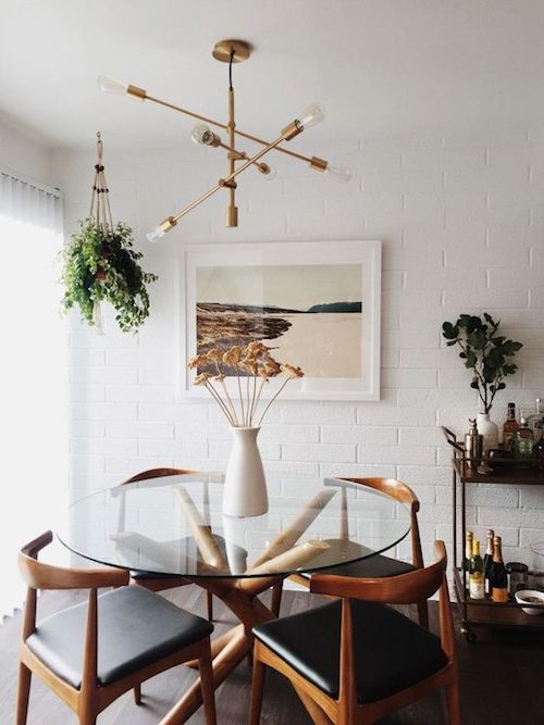 Mid-century inspired dinning room decor