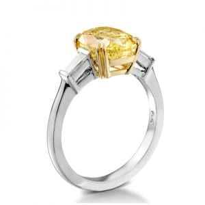 Natural colour diamond ring by St. Amram private Jeweller